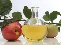 Fast allergy sneezing relief with apple cider vinegar